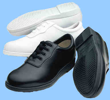 Dinkle Glide Shoes